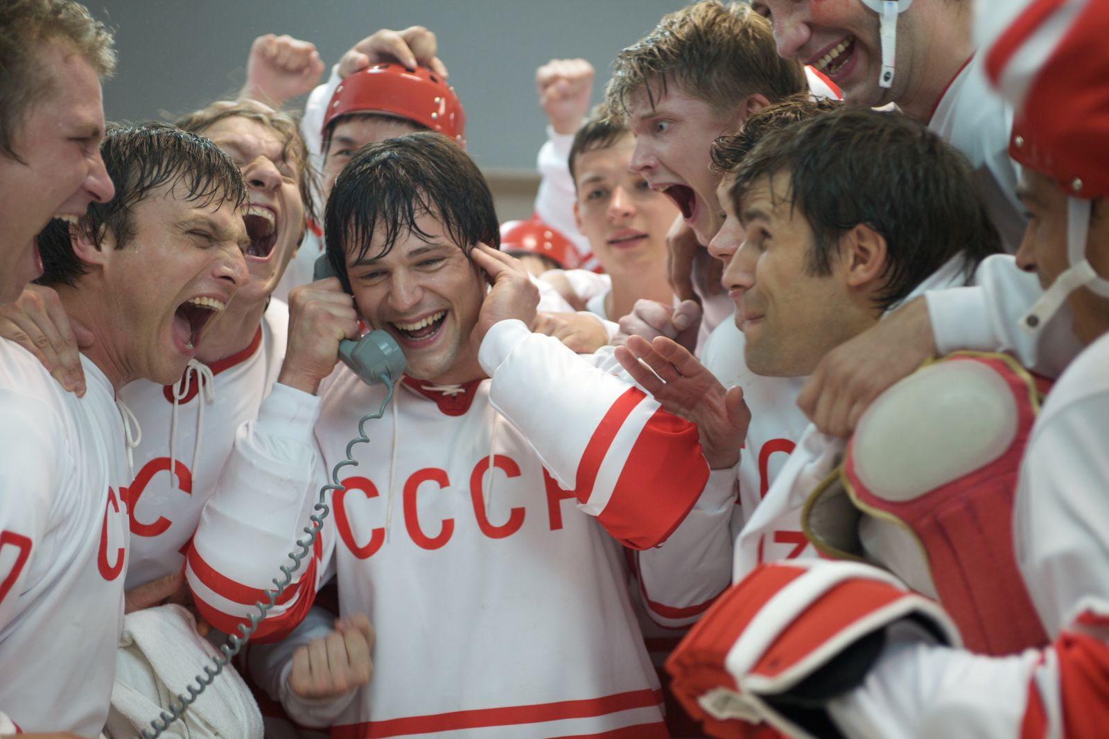 """Гешер"" и yes приглашают… на хоккей"