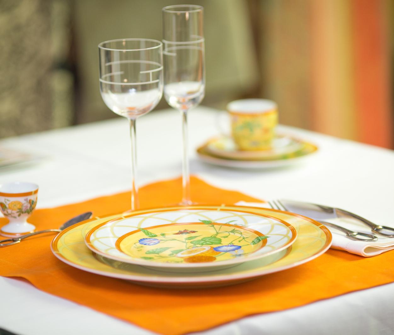 Уроки сервировки: готовим стол к обеду