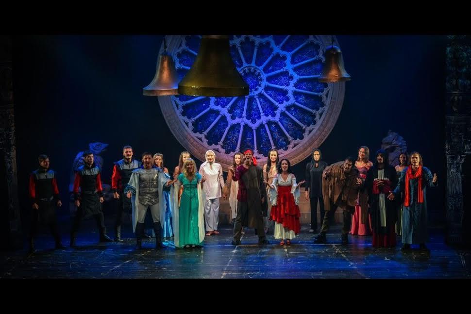 Загадка успеха мюзикла «Собор Парижской богоматери»