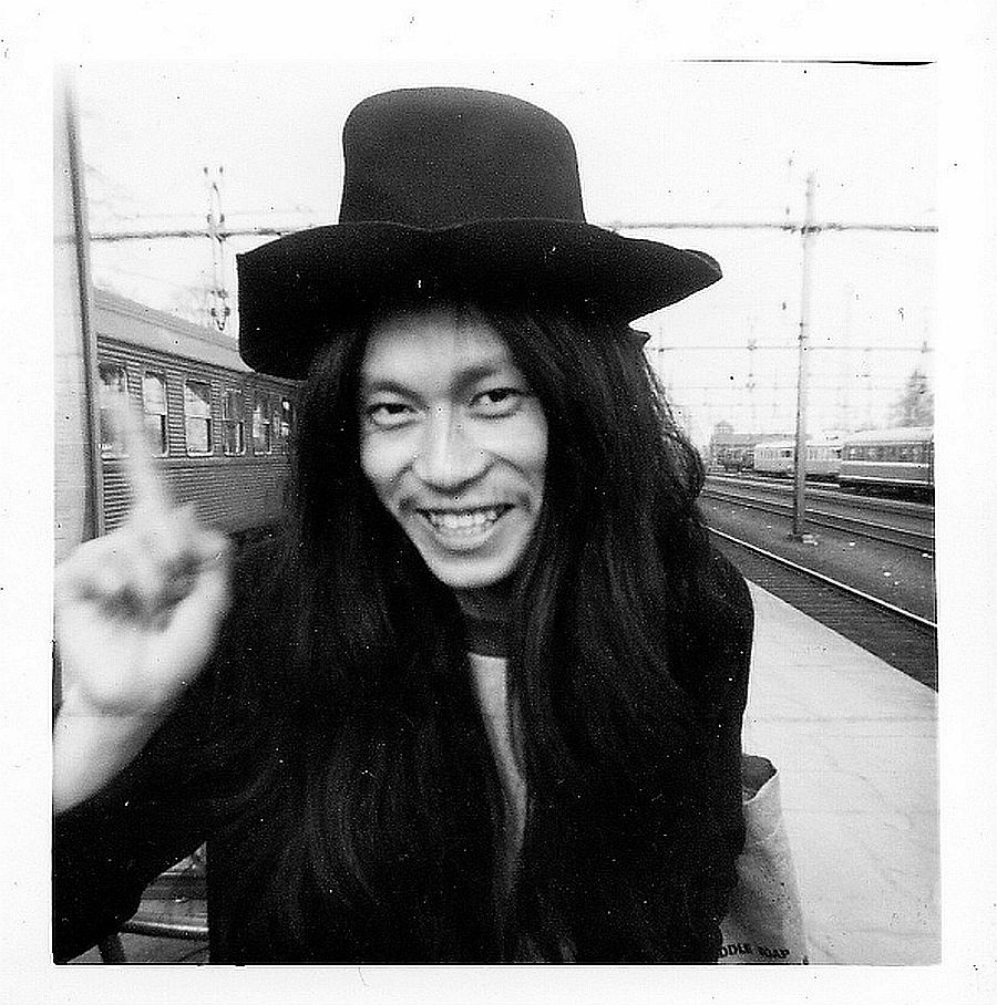 Дамо Сузуки: песни ни о чем